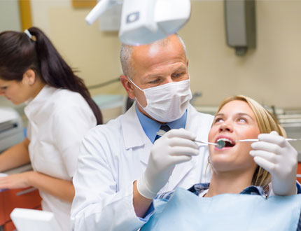SMTCCAC - Image of Dental with doctor in office